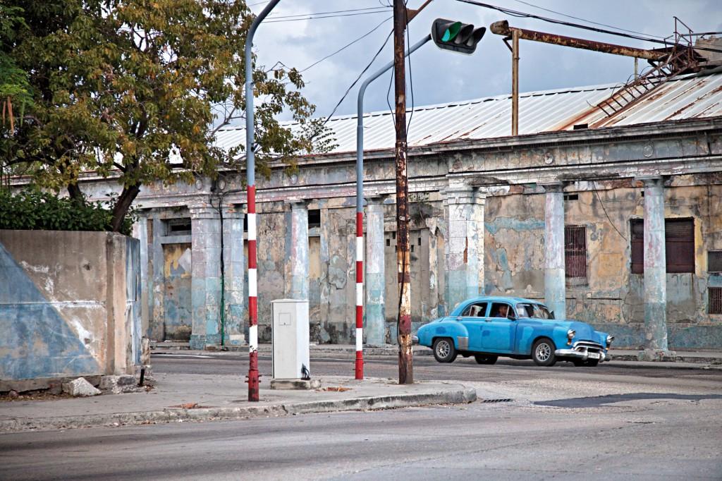 07 Disco rojo. Poligono industrial, La Habana. Cuba 2014_2