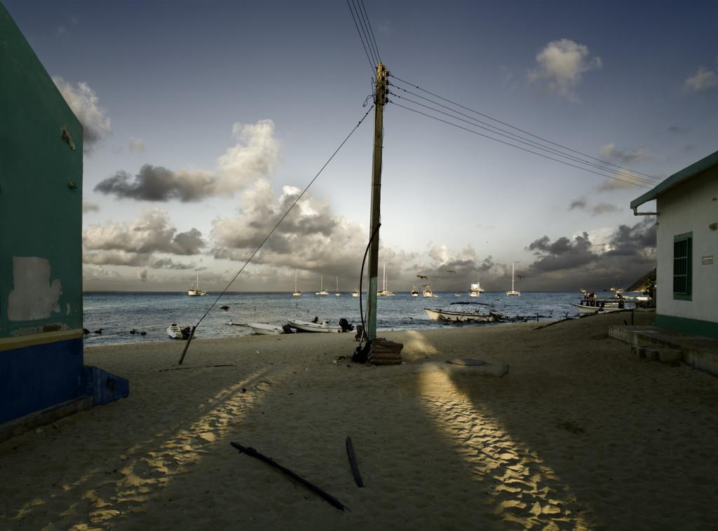 020 Amanecer en la playa. Lor Roques, Venezuela 2006