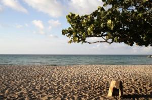 Saliendo de La Habana en dirección a Oriente se encuentra Jivacoa, no hay turistas, no hay chiringuitos, no hay prisa ....